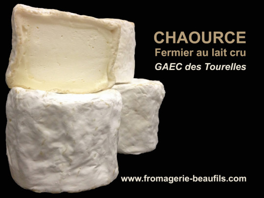 Chaource fermier. Fromage de vache. Fromagerie Beaufils.